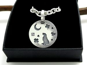 オーダーメイド 犬用ネックレス『ゴールデンレトリバー&月と光とクローバー』